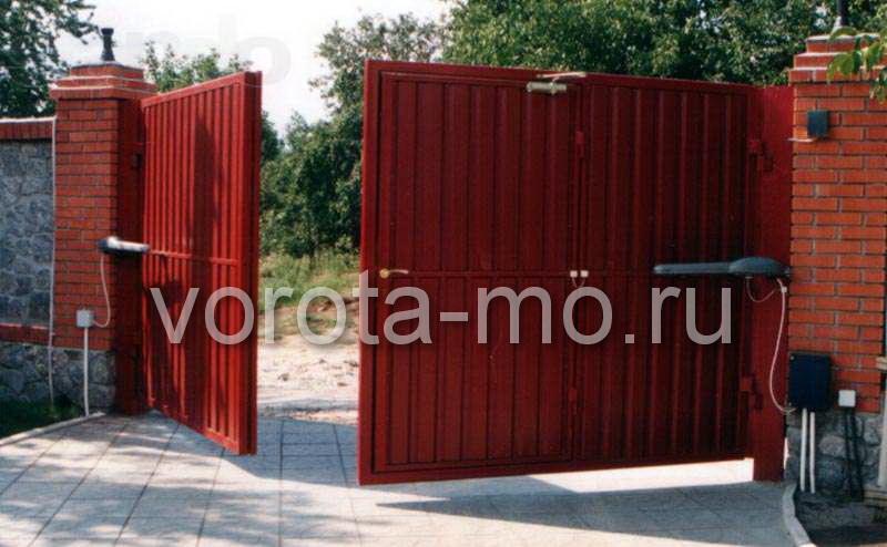 Распашные ворота установка в Чехове