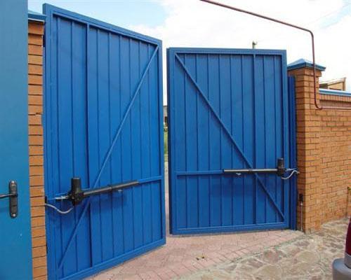 Промышленные распашные ворота с электроприводом